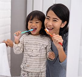 Ajak Si Kecil Merawat Gigi Sejak Dini Yuk, Moms!