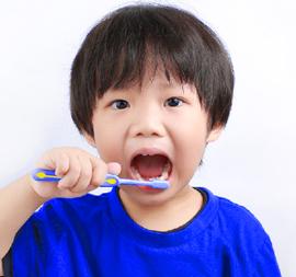 Awali Perkembangan dan Kesehatan Tubuh si Kecil dari Menyikat Gigi, Yuk!