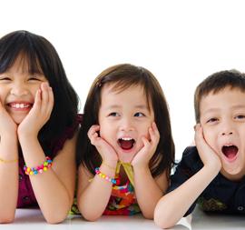 Yuk, Ajarkan Anak Berkenalan dengan Orang Baru!