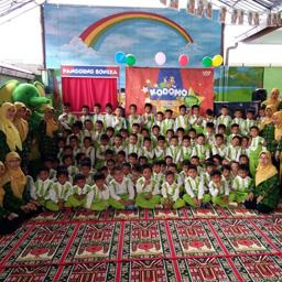 Serunya Kodomo Goes to School di RA Ikhlas, Padang